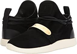 Single Low Top Sneaker