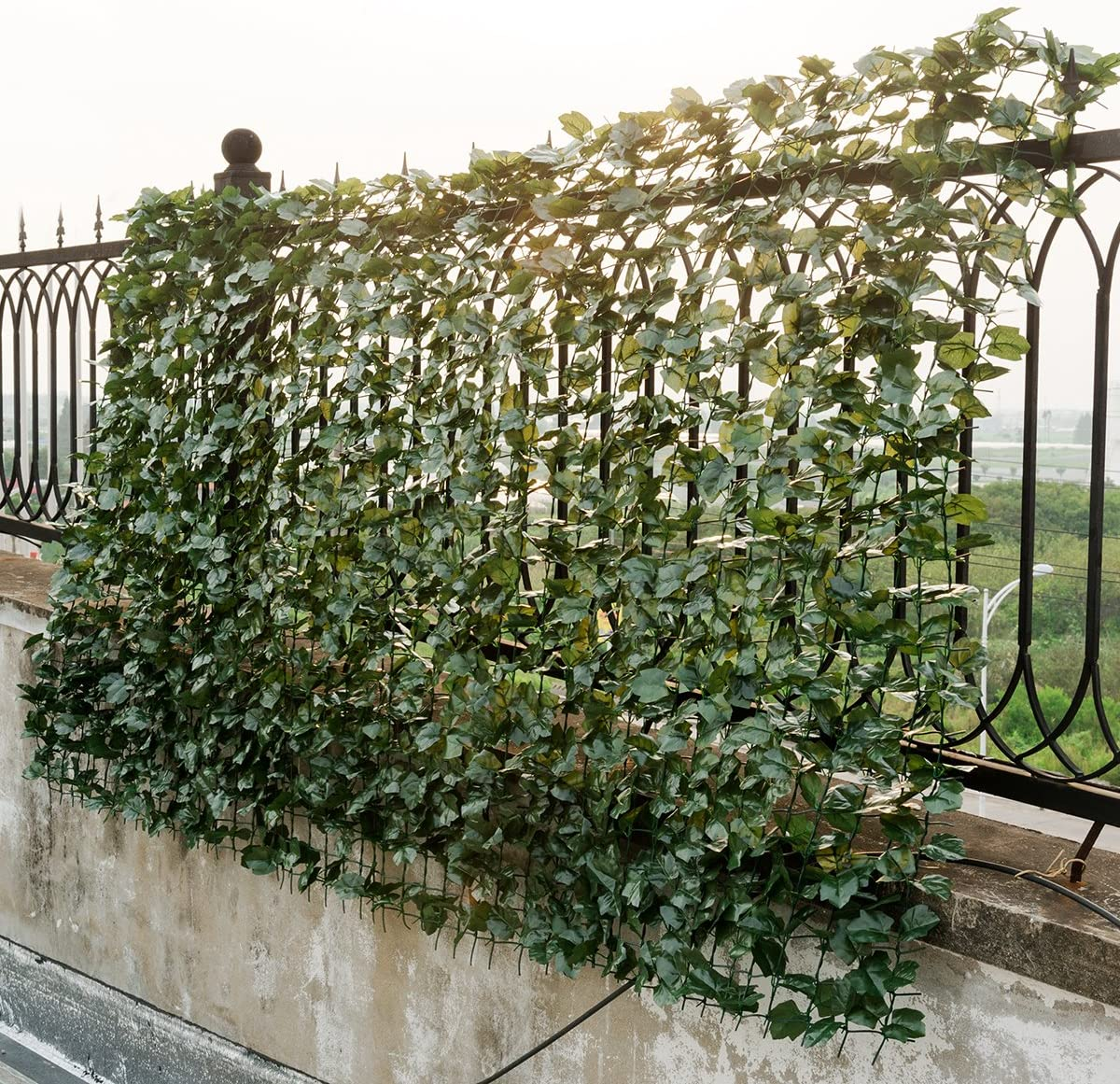 Giantex Artificial Hedges Faux Ivy Leaves Fence Decorative Trellis Privacy  Fence Screen Mesh 20