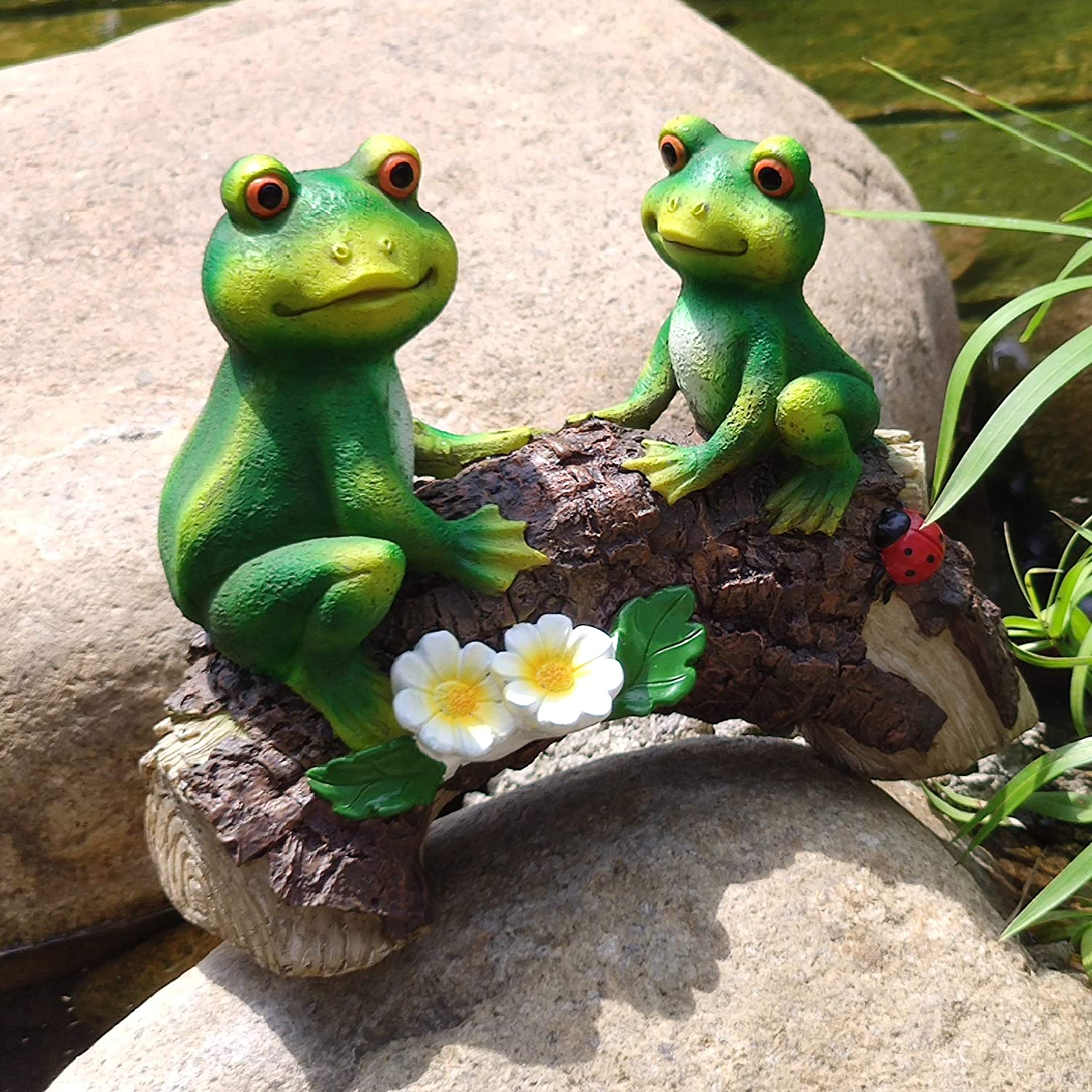 Mr. and Mrs. Frog on A surprise price is realized Wood Garden 5 ☆ very popular Bridge for Statue Pa Decoration