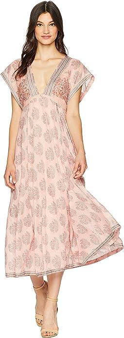 Riakaa Dress