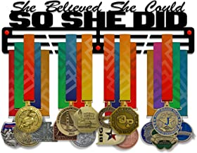 VICTORY HANGERS Ze geloofde dat ze kon zodat ze deed medaille houder Display Rack - 3 Bars zwart gecoat 3 mm staal metalen...