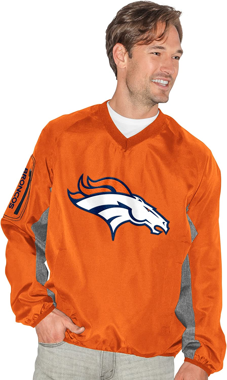 G-III Sports by Carl Banks Mens Gridiron V-Neck Pullover