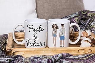 Set di 2 tazze mug personalizzate con disegno stilizzato di coppia idea regalo matrimonio anniversario addio al celibato b...