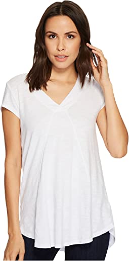 Mod-o-doc Slub Jersey Seamed V-Neck Tee with Shirttail Hem