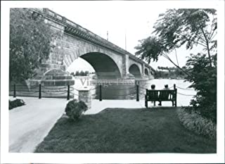 Vintage Photos Press Photo Seascape Old London Lake Havasu City Bridge Tourism People 5X7