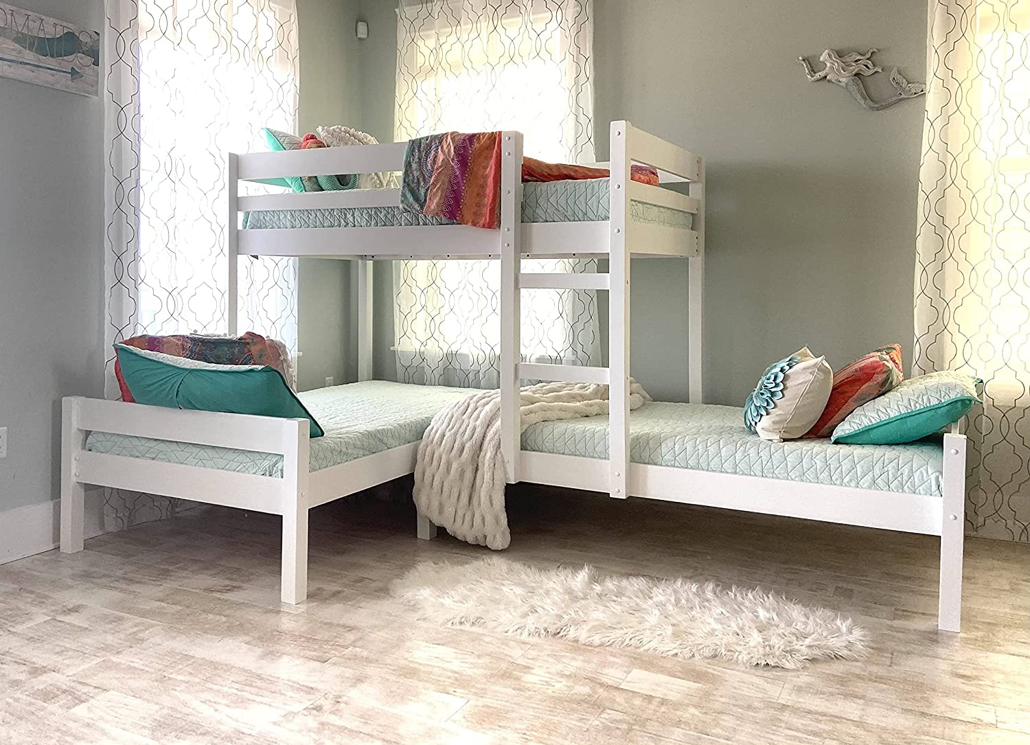 Amazon Com Nora Corner Twin Over Twin 3 Bunk Beds L Shaped Bunk Bed With Ladder Guardrail Wood Triple Bunk Beds For Kids No Box Spring Required White Kitchen Dining