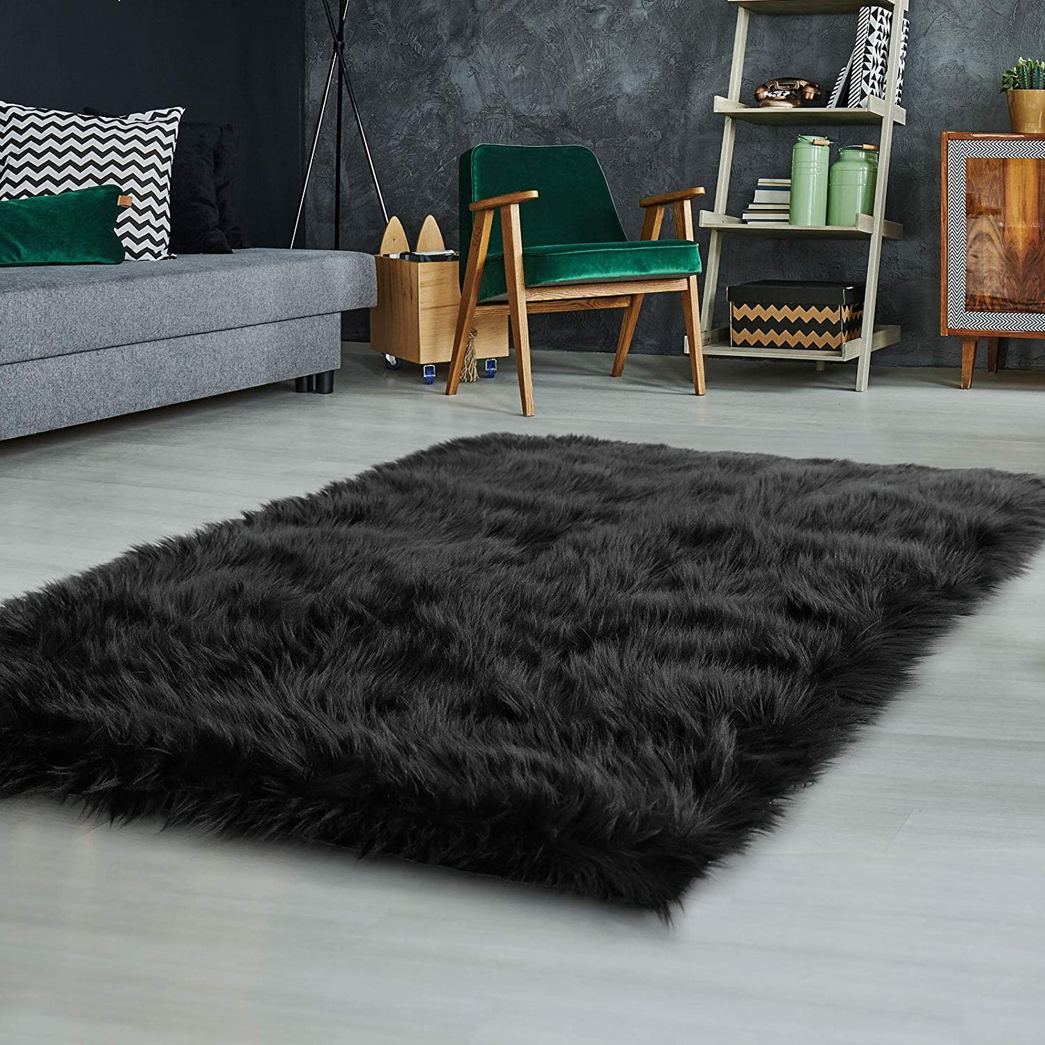 Kids//Baby Room Ophanie Ultra-Luxurious Fluffy Rectangle Area Rug Soft and Thick Faux Fur Chair Couch Cover Small Shaggy Rug Non-Slip Carpet for Bedroom Modern Decor Rug Black 2x3 Feet