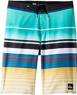 Quiksilver Kids - Everyday Stripe Vee Boardshorts (Big Kids)