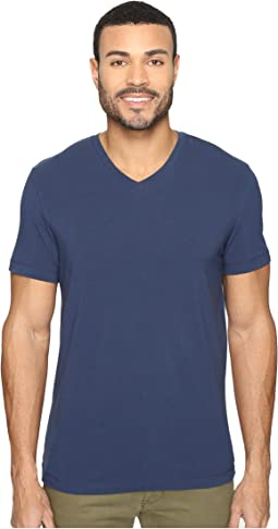 Kenneth Cole Sportswear - Short Sleeve V-Neck