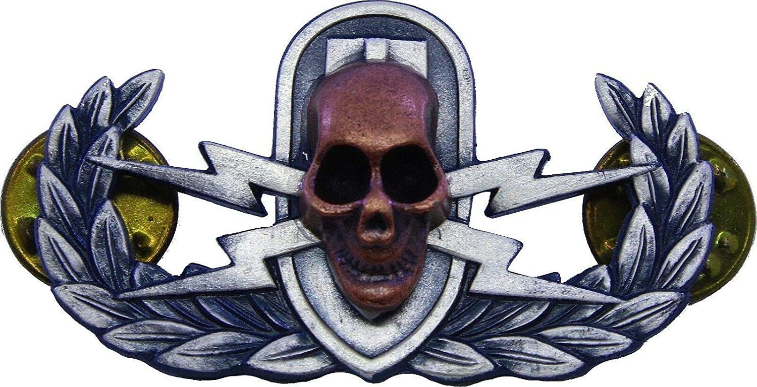 Button Pin Explosive Ordnance Skull Badge Bomb Disposal OFFicial site Mili EOD Ranking TOP4