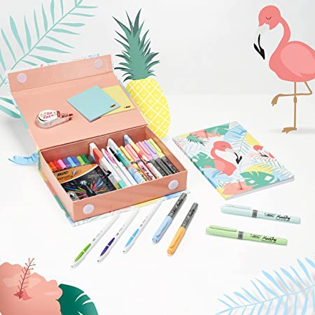 BIC Schreibwaren Set: 6 Kugelschreiber, 1 Notizbuch, 4 Textmarker, 10 Fineliner, 5 Permanent Marker, 1 Korrekturroller, Flamingo Design, Ideal für Schultüte, Schulanfang und Einschulung
