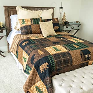 Full/Queen Bedding Set - 3 Piece - Brown Bear Cabin by Donna Sharp - Lodge Quilt Set with Full/Queen Quilt and Two Standard Pillow Shams - Fits Queen Size and Full Size Beds - Machine Washable
