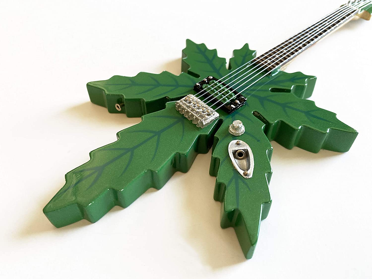 AXE HEAVEN 1:4 Scale Replica Pot Sweet Cheap super special price Tommy L Chicago Mall Guitar Leaf Chong