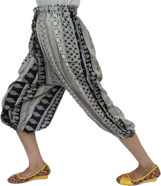 Stylish Multi Print Elastic Waist Adjustable String 2 Pockets Rayon Capri Pant Cream and Black