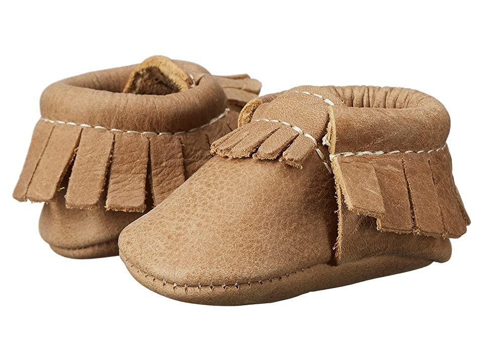 Freshly Picked Newborn Moccasins (Infant) (Petite Weathered Brown) Kids Shoes