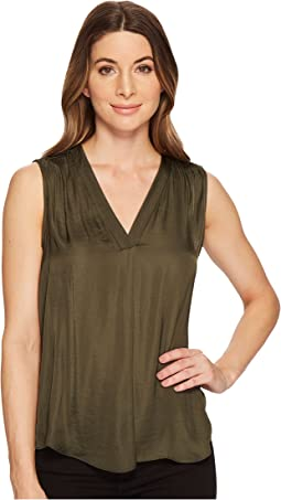 Vince Camuto - Sleeveless V-Neck Rumple Blouse