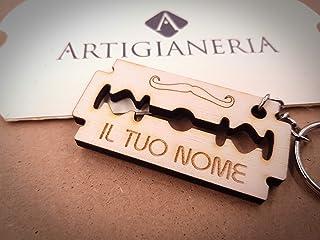 ArtigianeriA - Portachiavi in legno in stile Lametta da barba, personalizzato con nome e data a scelta. Incisione realizza...