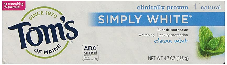 Tom's of Maine Natural Simply White Fluoride Toothpaste, Clean Mint, 4.7 Ounce