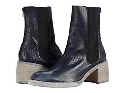 Free People Essential Chelsea Boot (Black) Women