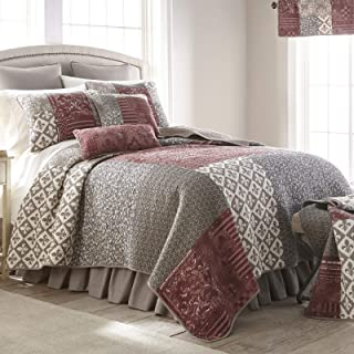 Full/Queen Bedding Set - 3 Piece - Fleur de Lis Square by Donna Sharp - Contemporary Quilt Set with Full/Queen Quilt and Two Standard Pillow Shams - Fits Queen Size and Full Size - Machine Washable