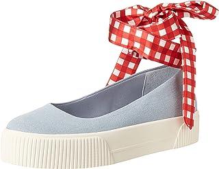 حذاء رياضي نسائي من جيسيكا سيمبسون