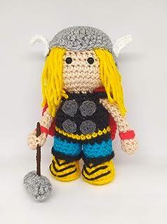 Thor amigurumi realizzato a mano Personaggio marvel Pupazzo handmade Waldorf doll fatto a mano ad uncinetto in lana Idea r...
