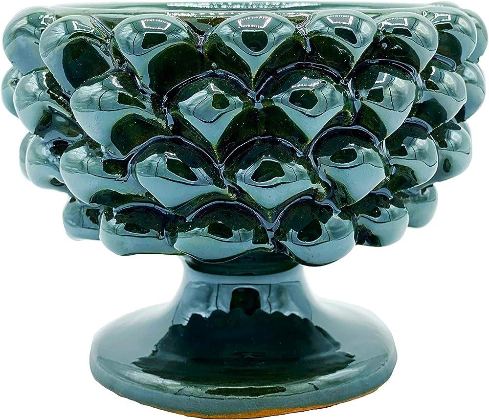 Mezza pigna in ceramica,realizzata interamente a mano da artigiani siciliani ogni prodotto e` unico