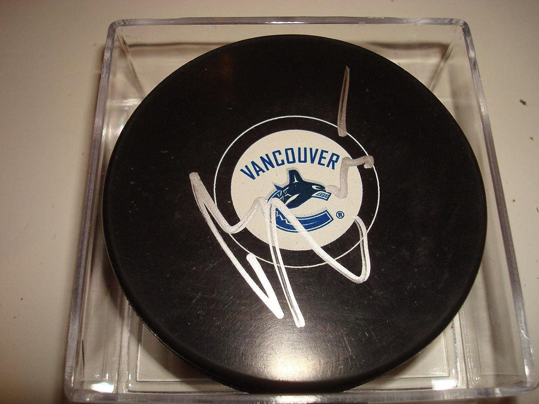 Brad Richardson Signed Puck  1A  Autographed NHL Pucks