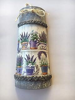 teja decorativa con plantas de lavanda
