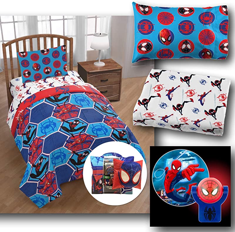 Marvel Spiderman Kids 7 Piece Complete Twin Bed In A Bag Reversible Comforter Sheet Set And Reversible Pillowcase And Spiderman Projectable Wall Light