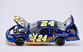 Action Jeff Gordon #24 Foundation / Mighty Mouse 2005 Monte Carlo / 1:24 Scale Diecast Car