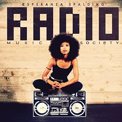 Crowned & Kissed de Esperanza Spalding en Amazon Music - Amazon.es