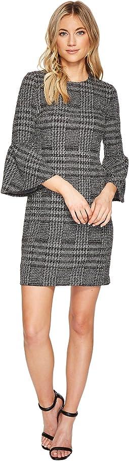 Plaid Print Bell Sleeve Dress CD7P286L