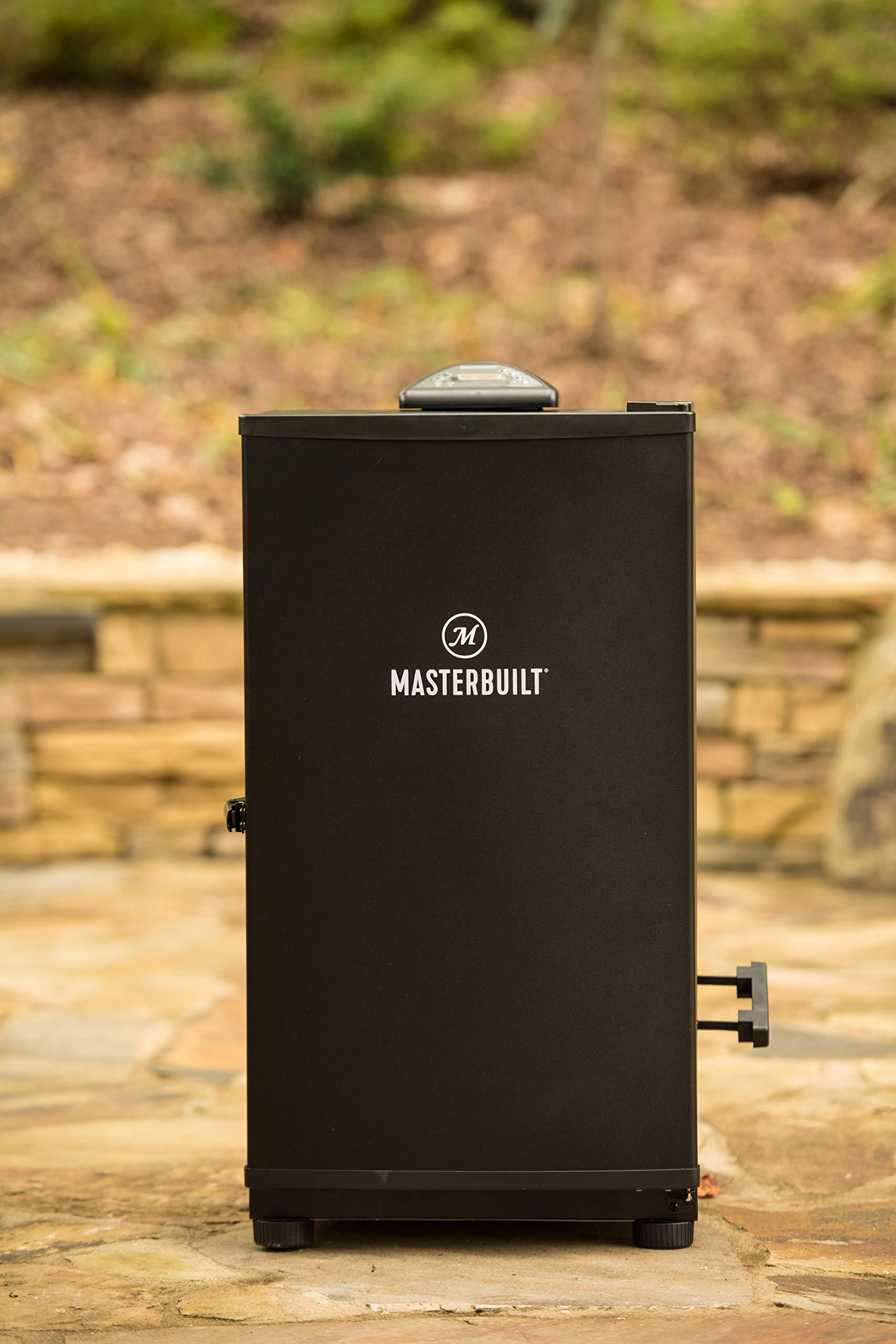 Masterbuilt MB20071117 Digital Electric Smoker in Backyard