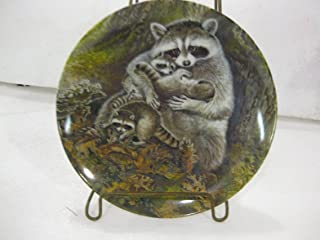 Edwin M. Knowles Fine China-Signs Of Love Collection-Plate 4 A Protective Embrace by Wildlife Painter Yin-Rei Hicks.8.5