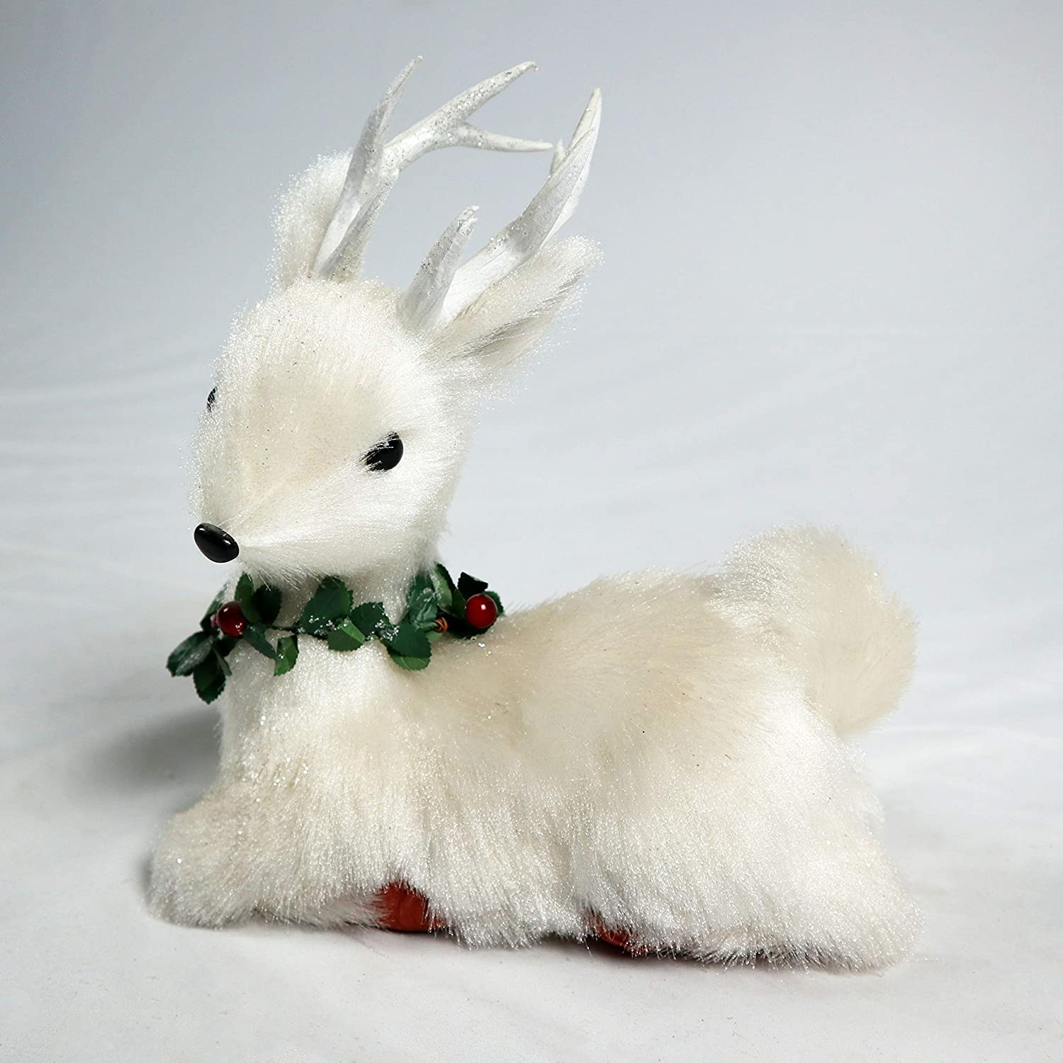 SHATCHI 25cm Lying Deer Christmas Tabletop Centrepiece Decorated with Pines Berries Showpieces Home Art /& Craft Xmas Party Window D/écor white deer