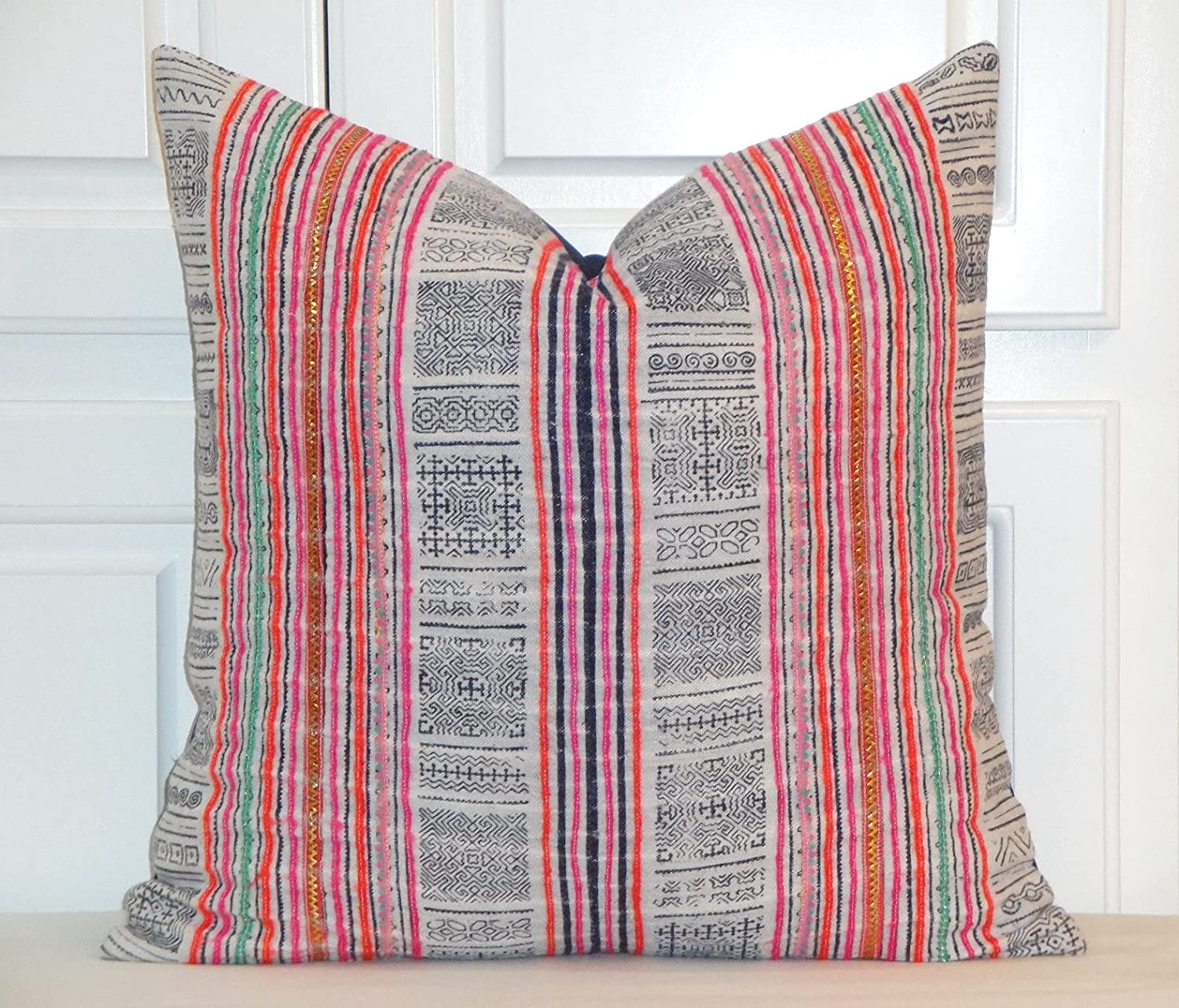 Vintage Hmong Tribal and Vintage Rustic Floral Throw Pillow Cover Chic Farmhouse Decor Cushion Cover Standard Pillow Case for Floor Party Decor Living Room Sofa Couch Gift for Her Pillowcase