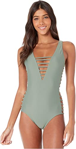 6527eb4bed2 Women's One Piece Swim + FREE SHIPPING | Clothing | Zappos.com