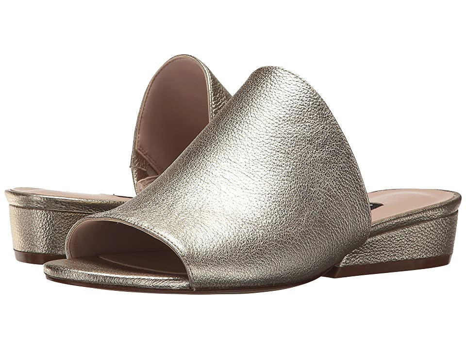 Nine West Lynneah Slide Sandal (Light Gold Metallic) Women's Sandals