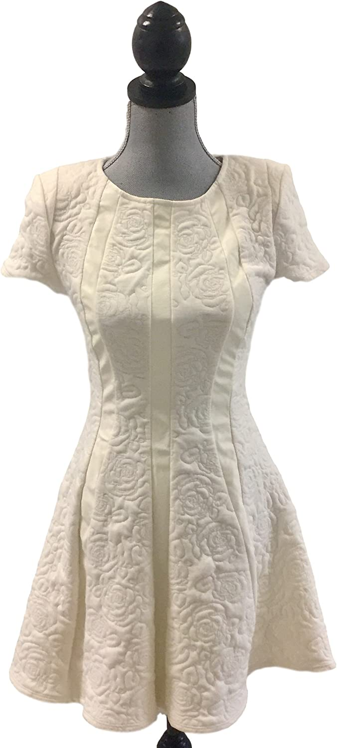 BAR III SHORTSLEEVE EMBOSSED DRESS MARSHMALLOW S