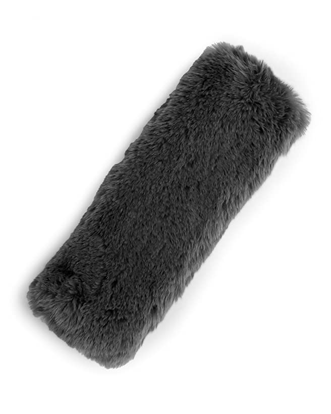 Camco 53054  Gray Faux Sheepskin Seat Belt Cover - Comfortable and Soft Texture, Excellent For Long Road Trips and Commuting cvbd964246382879
