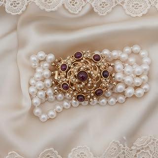Bracciale vintage in stile retrò formato da 5 fili di perle naturali montate su una chiusura a cassetta in ottone con effe...