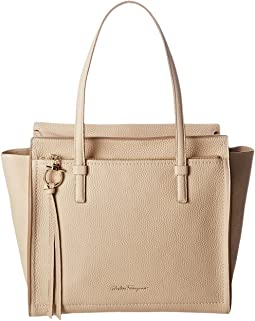 Salvatore Ferragamo 21F216 Amy