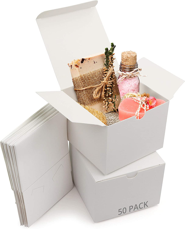 Belle Vous Cajas de Cartón Kraft Blancas (Pack de 50) - Medidas 12 x 12 x 9 cm - Caja Kraft de Fácil Ensamblado - Cajas Automontables - Cajitas para Regalos de Fiesta, Cumpleaños, Bodas, Presentes