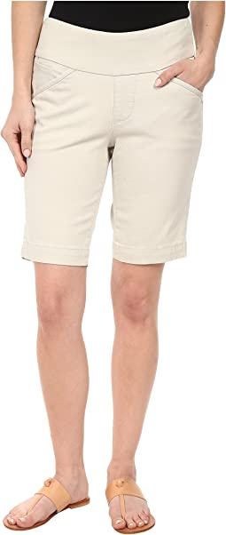 Petite Ainsley Pull-On Classic Fit Bermuda Bay Twill