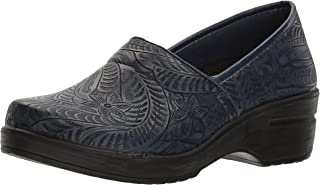 Easy Works Women's LYNDEE Health Care Professional Shoe, Navy Tool, 7.5 X-Wide