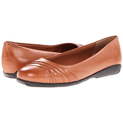 Walking Cradles Flick (Tan Waxy Soft Leather) Women