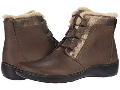 Clarks Cora Chai (Taupe/Bronze Combination) Women