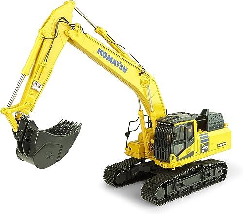 Universal Hobbies Komatsu PC490LC-11 Hydraulic Excavator