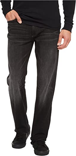 Calvin Klein Jeans - Straight Leg Jeans in Black Lightning